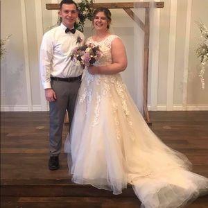 Morilee Madeline Gardner Wedding Dress